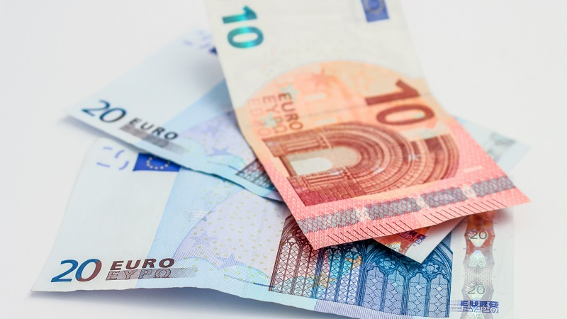 Euro for moving to Portugal checklist